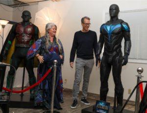 Presentacion prensa Traje de Nightwing